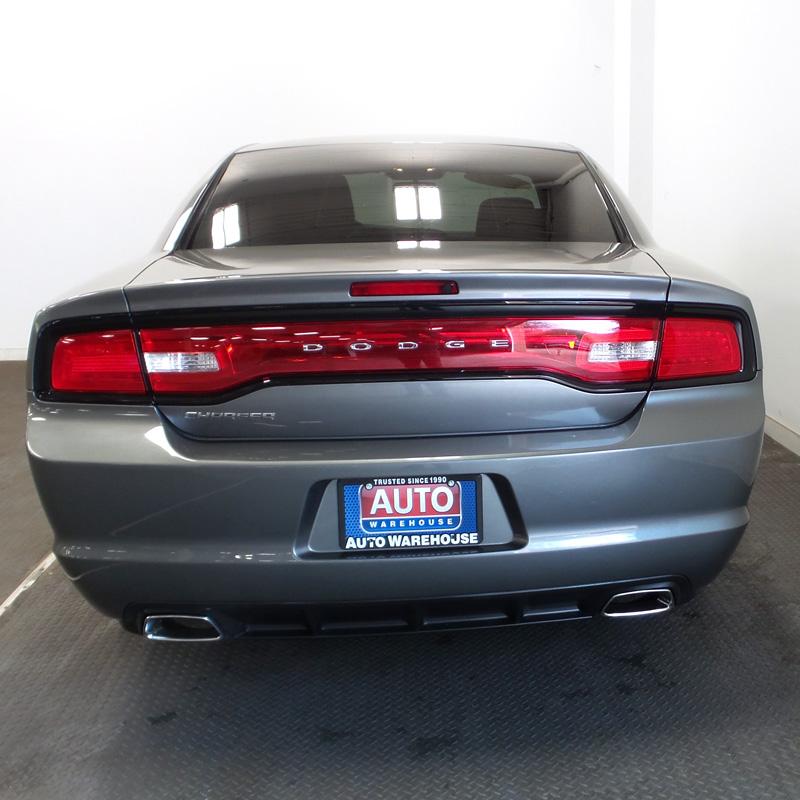 2012-Dodge-Chadger-gray-2