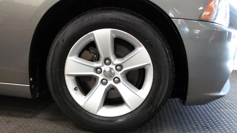 2012-Dodge-Chadger-gray-9