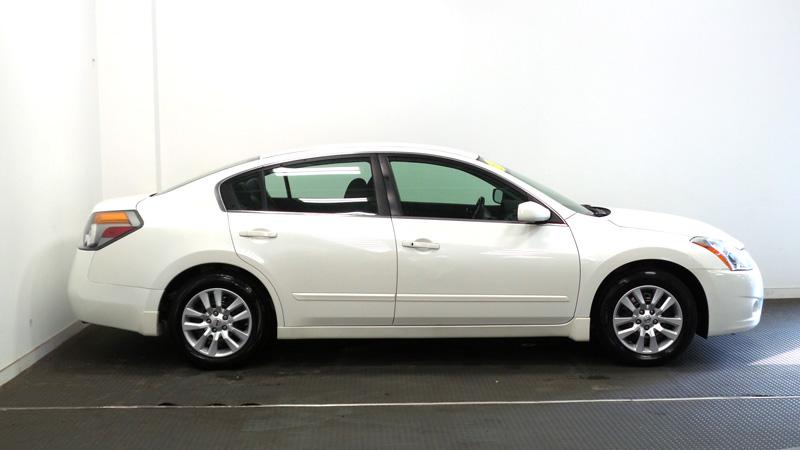 _2012-Nissan-Altima-2