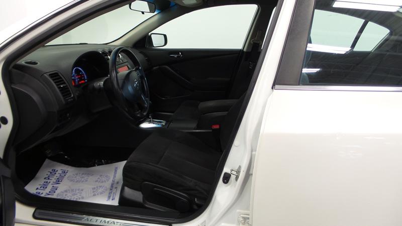 _2012-Nissan-Altima-6