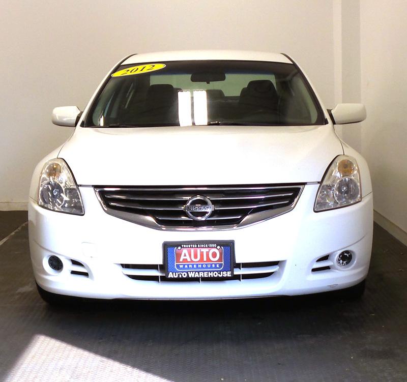 _2012-Nissan-Altima-9