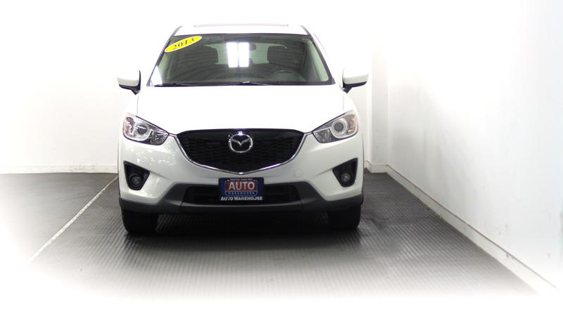 2013-MAZDA-CX-5-WHITE-12